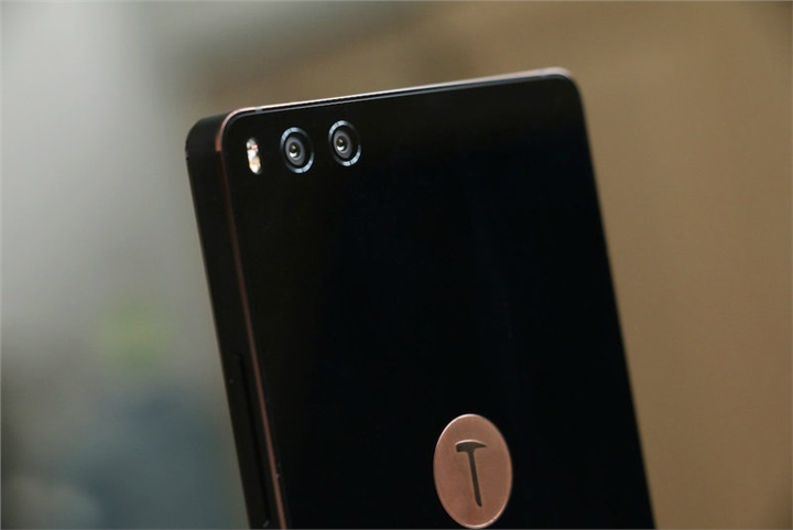 Smartisan Nuts Pro Review: Stunning Look + Dual-Camera